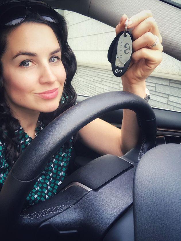 Julia unterwegs - mit dem Infiniti Q50S