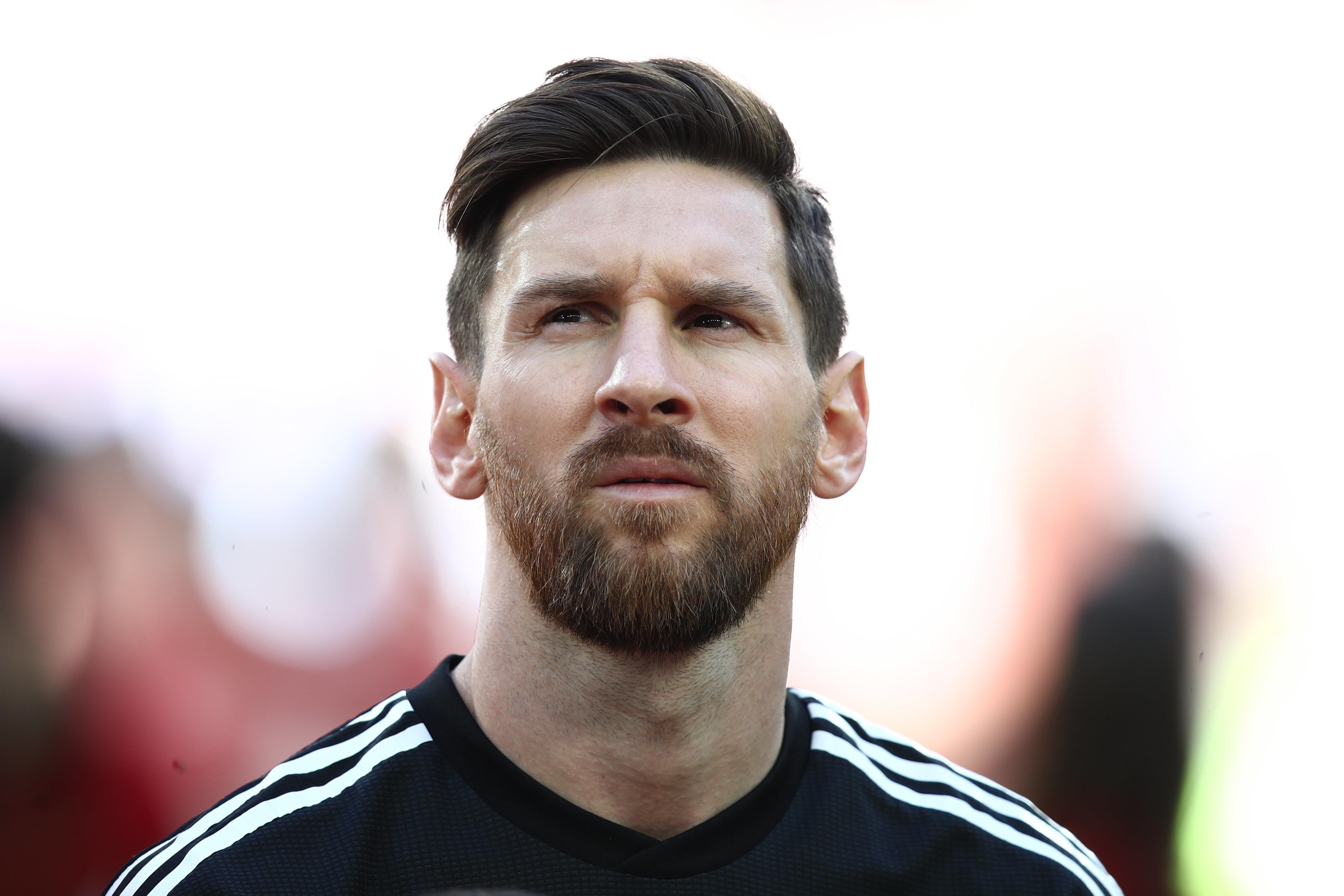 Mann lässt sich nach 14 Jahren von seiner Frau scheiden, weil sie Lionel Messi hasst