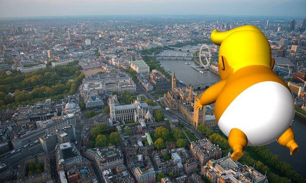 Un inflable gigante de Donald Trump en pañales sobrevolará