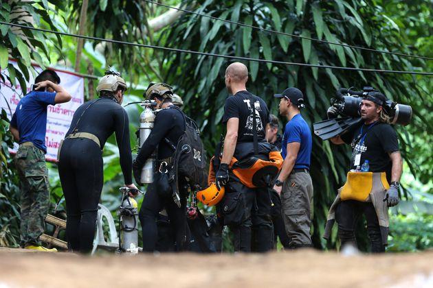 Τα σχέδια για την απομάκρυνση των παιδιών από το πλημμυρισμένο σπήλαιο στην