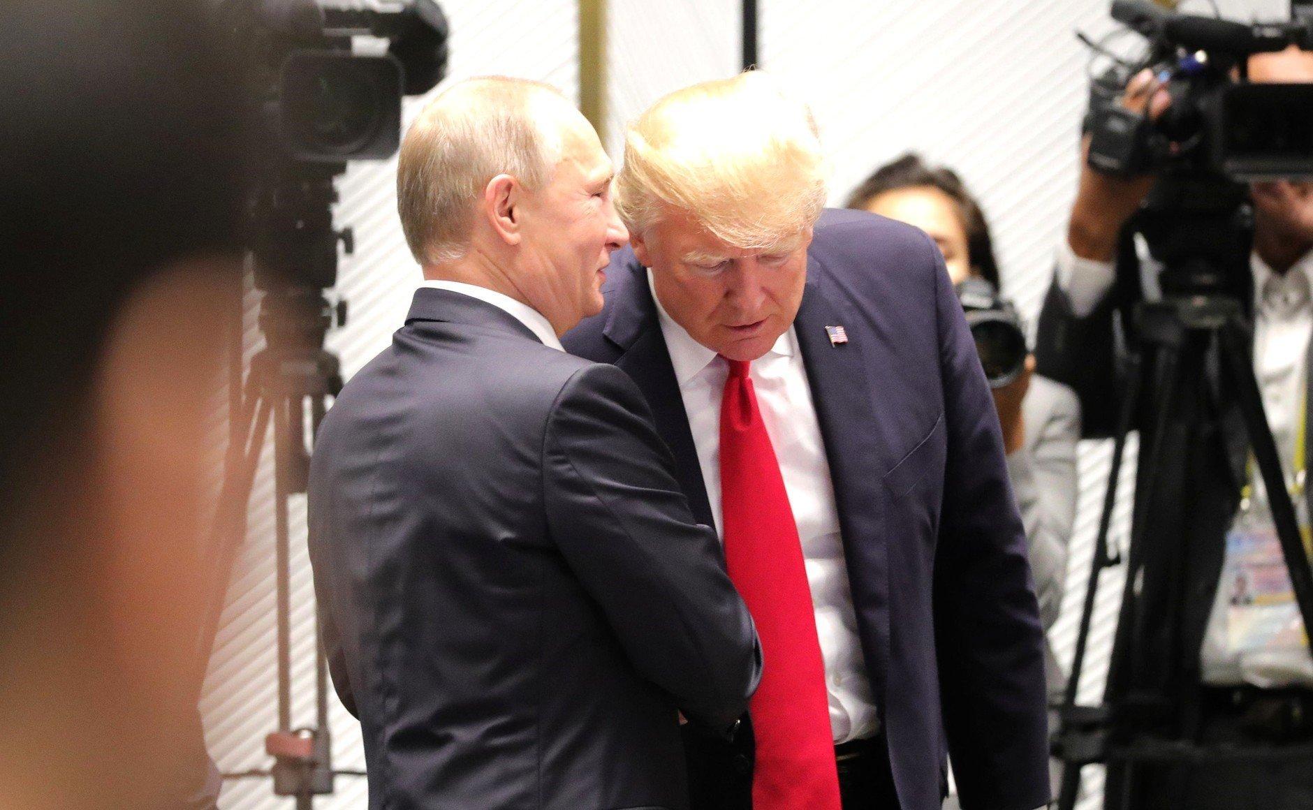 Ο Τραμπ ελπίζει ότι η συνάντηση με τον Πούτιν θα μειώσει τις εντάσεις μεταξύ των δύο