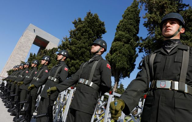 Τουρκία: 271 στρατιωτικοί υπό κράτηση λόγω υποψιών για σχέσεις με την οργάνωση