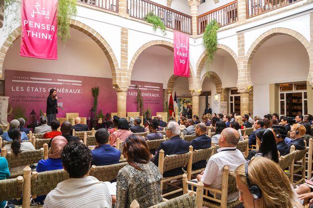 Des paroles aux actes, 150 décideurs rédigent un contrat social pour les futures