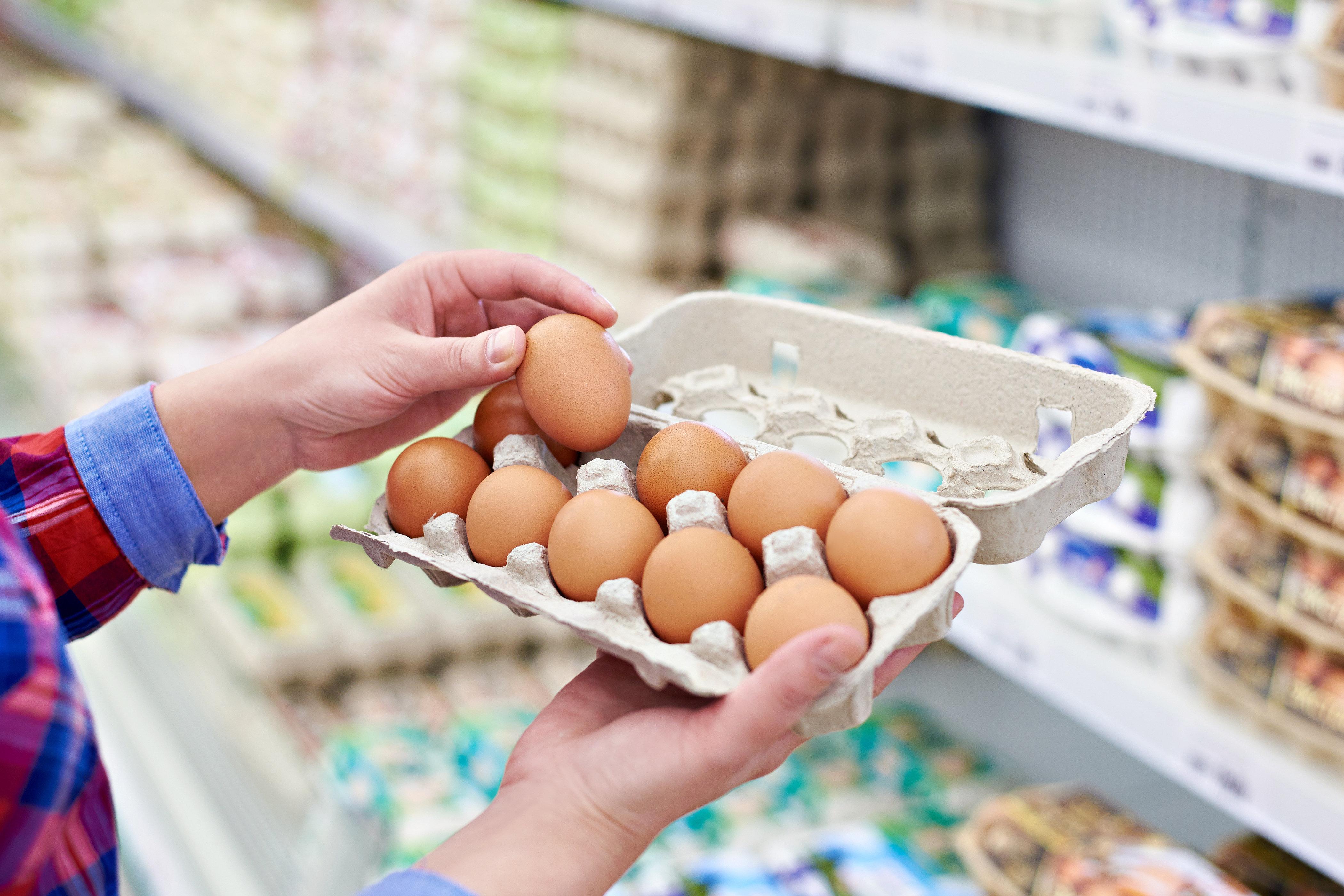 Deshalb ist es verboten, ein kaputtes Ei aus dem Karton