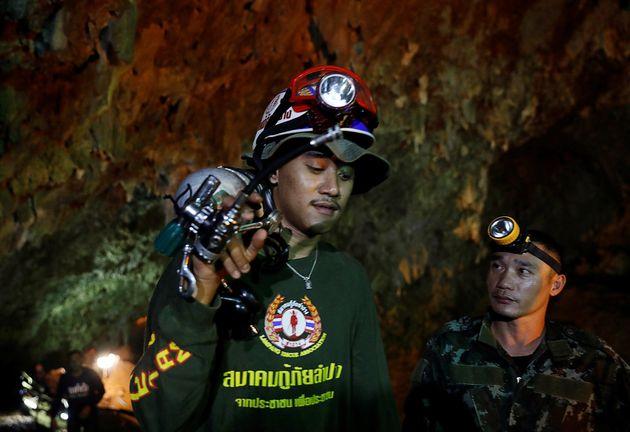 '산소농도 15%' 시간과 싸우는 태국 소년들에게 머스크가 기술팀을
