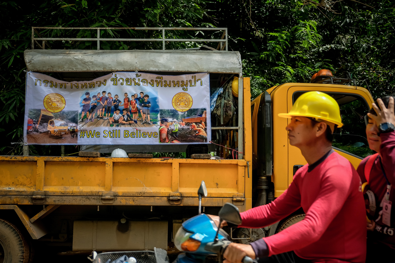Συγκινούν τα γράμματα των παιδιών που έχουν εγκλωβιστεί σε σπηλιά στην Ταϊλάνδη. Συγγνώμη από τους γονείς...
