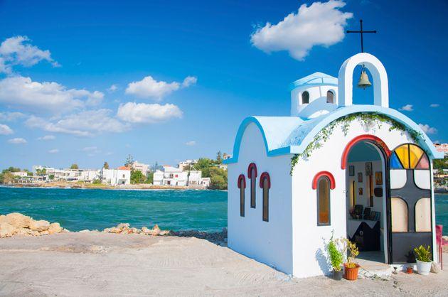 «Κάθε ένα αποτελεί ένα ξεχωριστό σύμπαν». Η Telegraph αποθεώνει 22 ελληνικά νησιά και αποκαλύπτει τους...