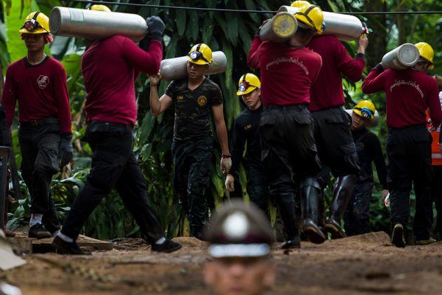Επιχείρηση διάσωσης στην Ταϊλάνδη. Οι προσπάθειες των δυτών για τη διάσωση των