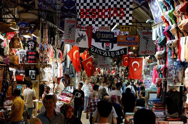 Το καθεστώς Ερντογάν απολύει 18.000 εργαζόμενους στον δημόσιο