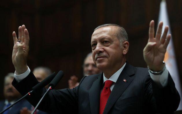 Turquie: pouvoirs élargis et gouvernement resserré pour