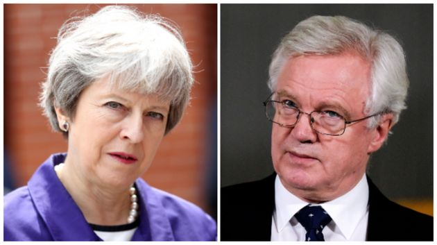 ¿Qué suponen las dimisiones de los ministros británicos para el Brexit y Theresa