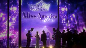 Miss America 2015 Kira Kazantsev awaits her next position during a commercial break at the Miss America Pageant at Boardwalk Hall in Atlantic City, New Jersey, September 13, 2015.  Miss Georgia Betty Cantrell won.  REUTERS/Mark Makela