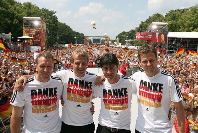 Das Sommermärchen 2006: Torwart-Trainer Andreas Koepke, der damalige Bundestrainer Jürgen Klinsmann...