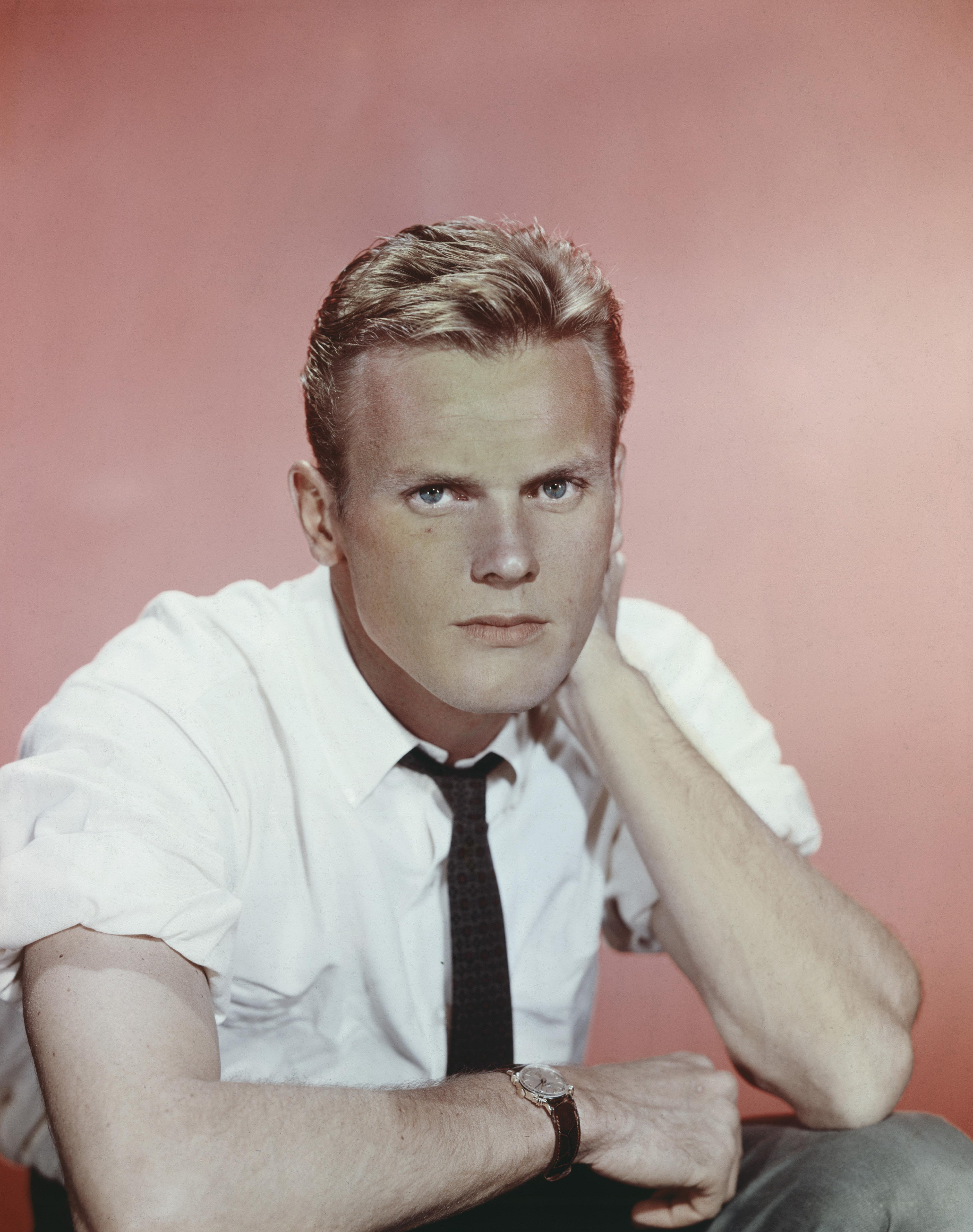 1950년대 할리우드의 게이 아이콘 탭 헌터가 86세로