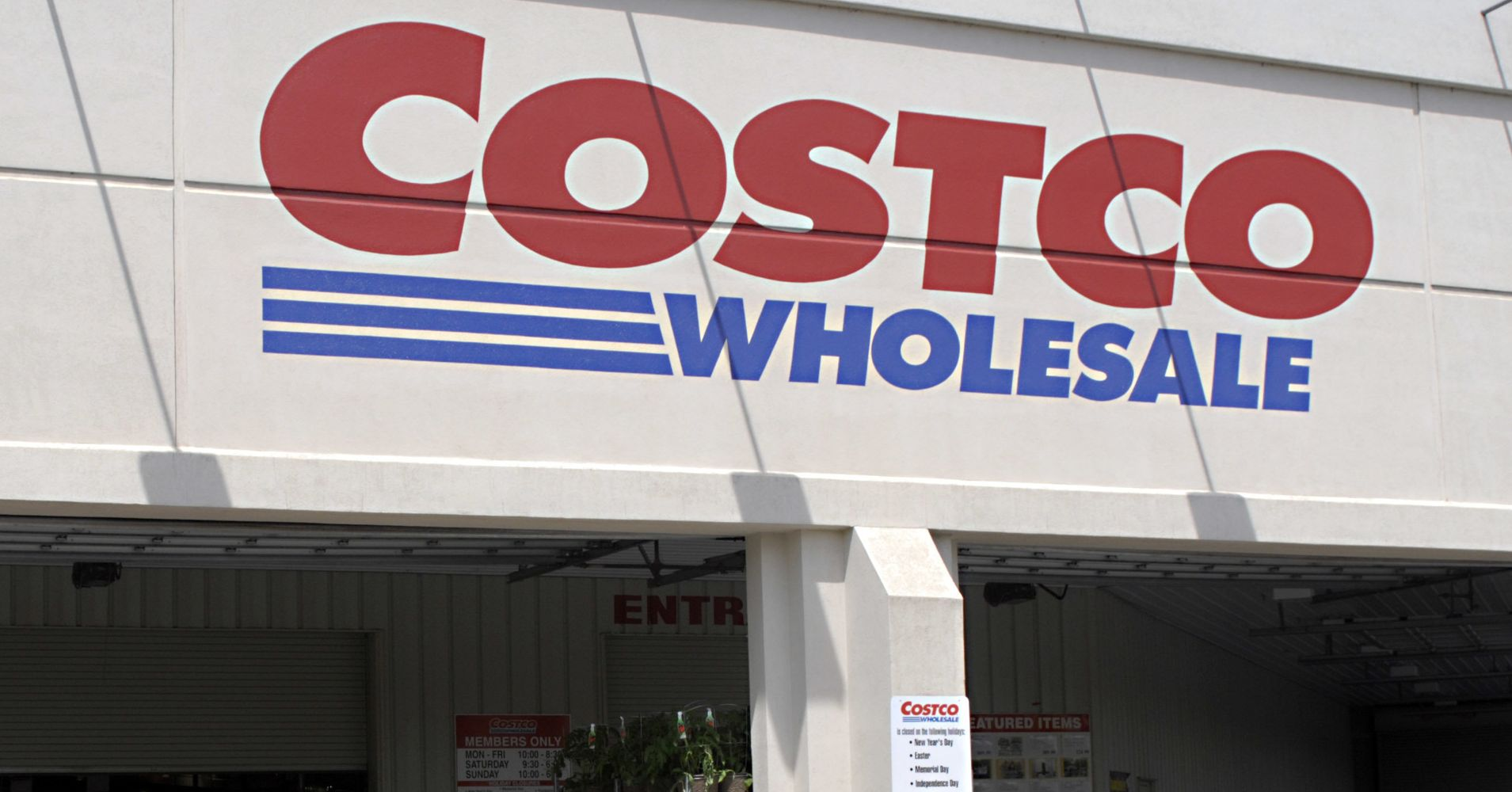 Costco Kills Beloved Food Court Item And People Are Doggone Furious