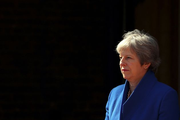 Πολιτική κρίση στη Βρετανία: Η Μέι αντιμέτωπη με τη μεγαλύτερη πρόκληση στην πρωθυπουργική της
