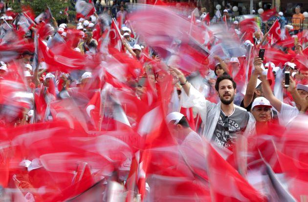 Τσαβούσογλου: Η Άγκυρα σκοπεύει να σημειώσει πρόοδο στην ενταξιακή της πορεία στην