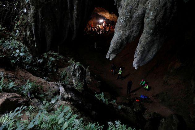 Les enfants thaïlandais coincés dans la grotte ont réussi à rester calmes grâce à la