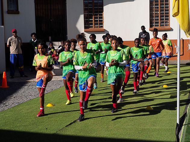 Training im Girls Center der Namibia Football