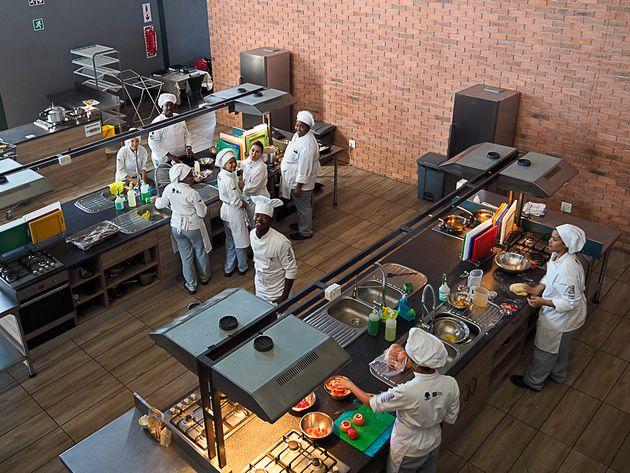 Ausbildung junger Köche an der Silver Spoon Academy,
