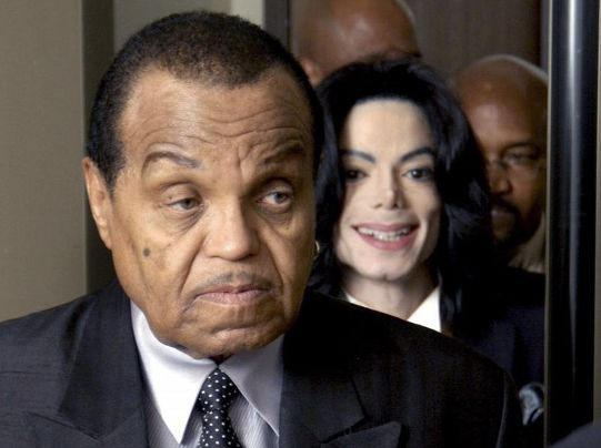 Leibarzt behauptet: Michael Jacksons Vater kastrierte Sänger – mit kruder