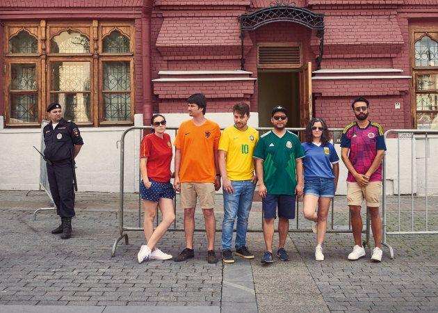 Pour la Coupe du Monde 2018, l'astuce de ces militants LGBT pour afficher le