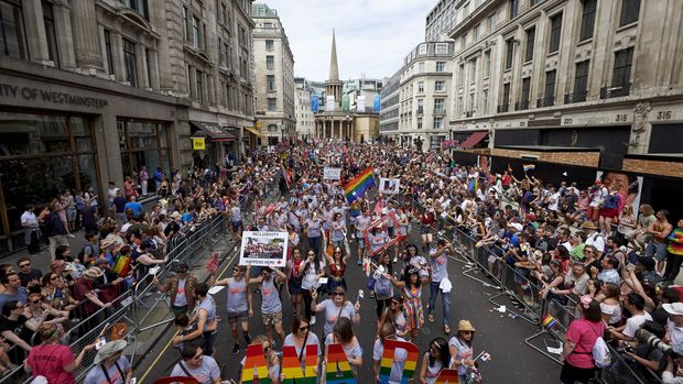 Members of the Lesbian, Gay, Bisexual and Transgender (LGBT) community take part in the annual Pride Parade in London on July 8, 2017. / AFP PHOTO / NIKLAS HALLE'N        (Photo credit should read NIKLAS HALLE'N/AFP/Getty Images)