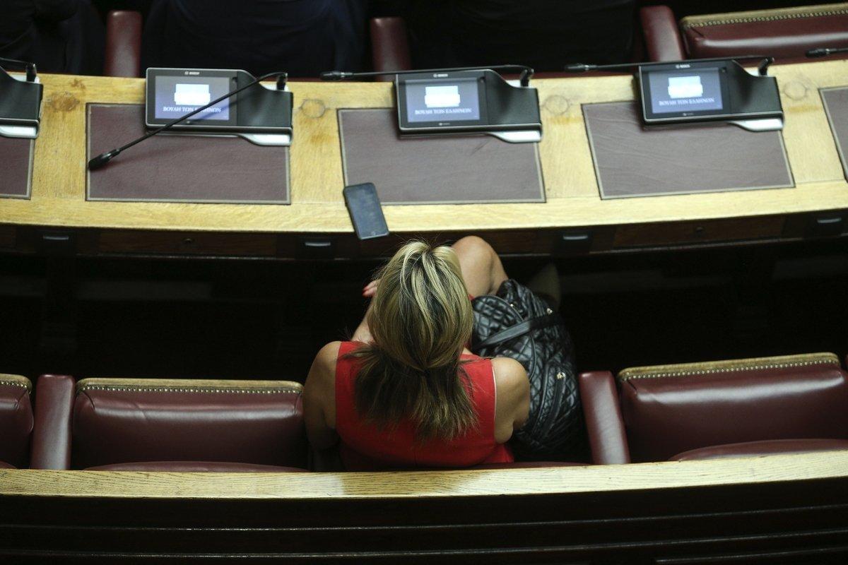 Ψηφίστηκε με ευρεία πλειοψηφία το νομοσχέδιο για την αντιμετώπιση της αδήλωτης