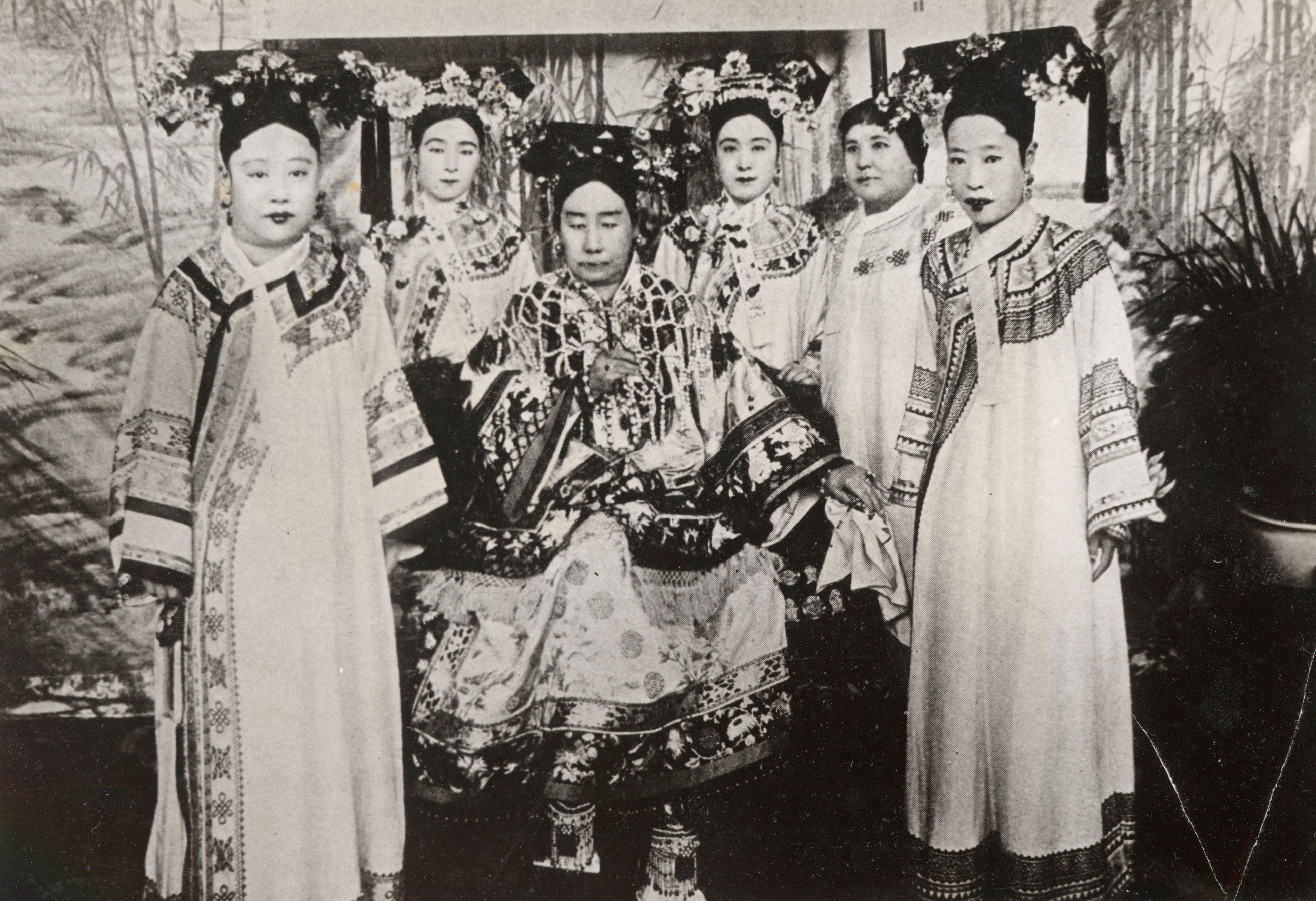 Η Κινέζα Αυτοκράτειρα που με τα έργα και τις ημέρες της διχάζει την Κίνα μέχρι και