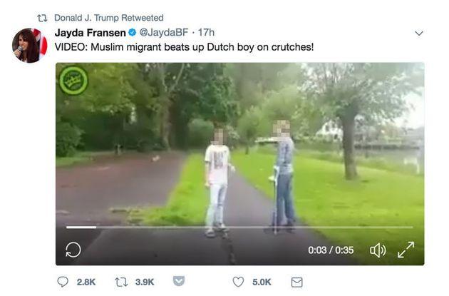 Uno de los vídeos no verificados de Britain First que retuiteó Donald Trump. Jayda Fransen, quien lo...