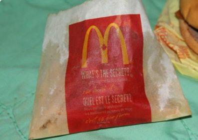 Mann bietet sechs Jahre alten McDonalds-Burger auf Ebay an – so sieht das Essen