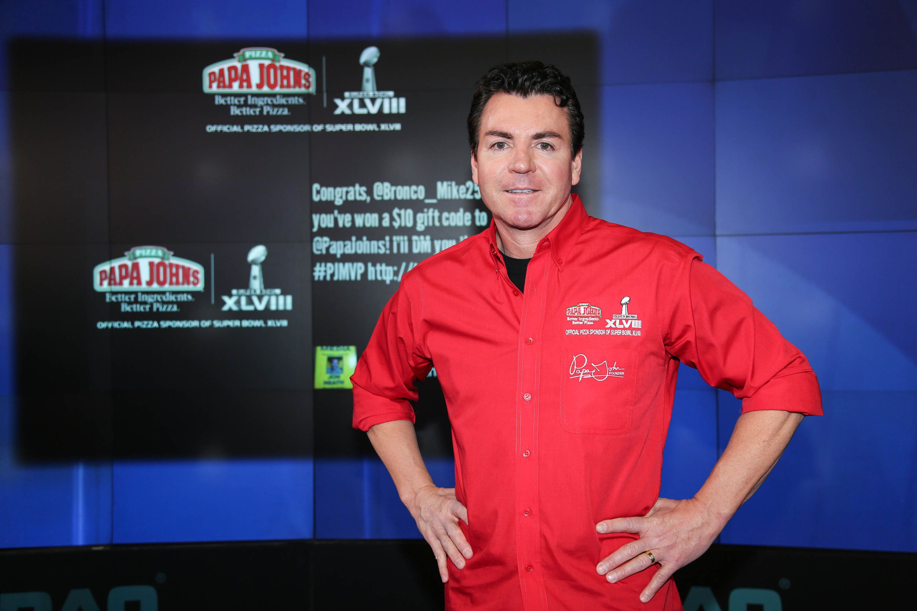 NEW YORK, NY - JANUARY 31:  John H. Schnatter, Founder, Chairman & CEO of Papa John's International, Inc. rings the NASDAQ Opening Bell at NASDAQ MarketSite on January 31, 2014 in New York City.  (Photo by Rob Kim/Getty Images)