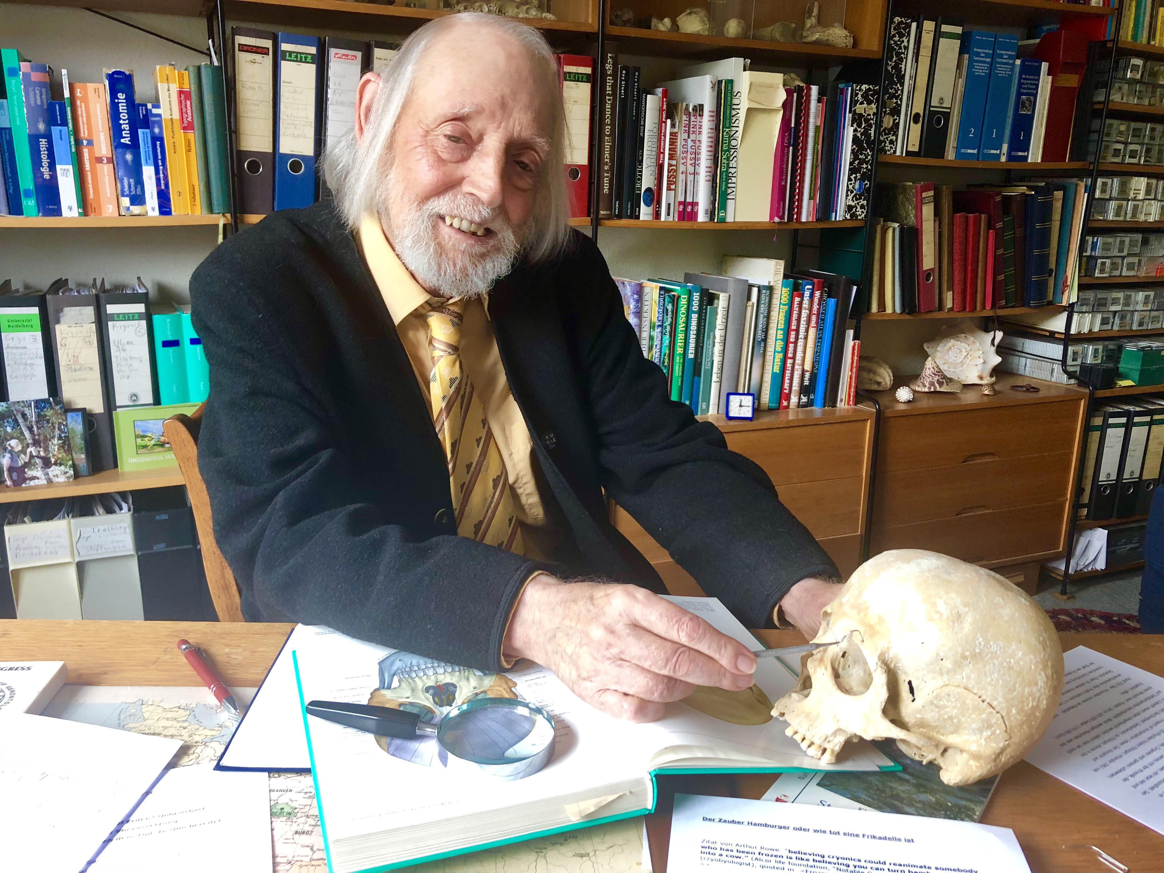 Ulmer Professor will unsterblich werden – so will er es