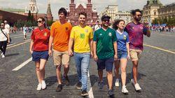 반동성애 정책의 러시아에서 레인보우 깃발을 흔드는