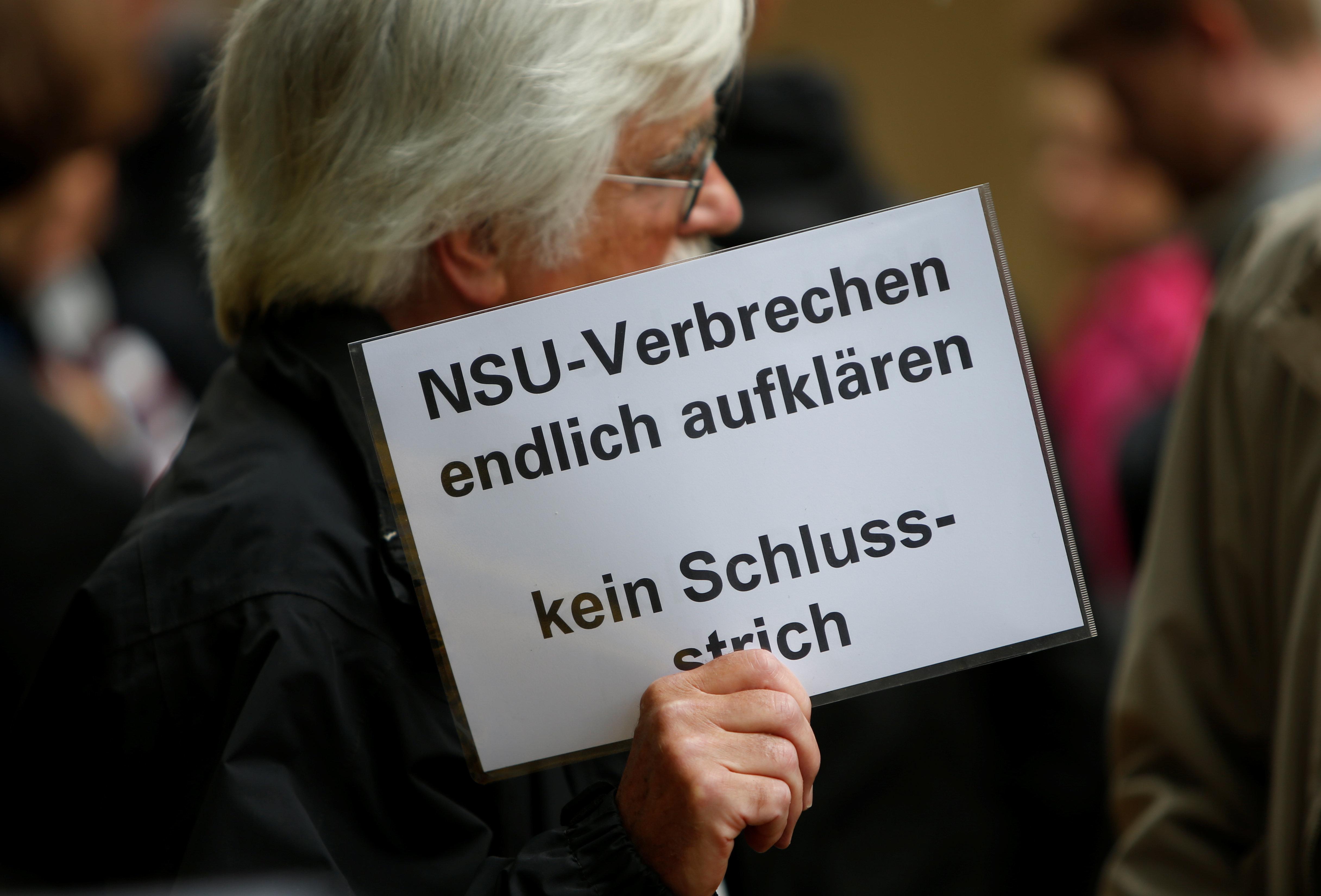 Διαδηλώσεις στην Γερμανία με αίτημα να συνεχιστούν οι έρευνες για τη δράση της νεοναζιστικής
