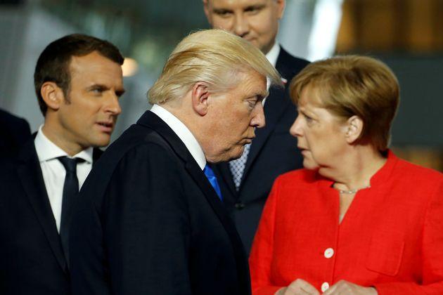 Συγκρούσεις και απειλές Τραμπ προς τα μέλη του ΝΑΤΟ για τις αμυντικές δαπάνες. Κατά μέτωπο επίθεση σε