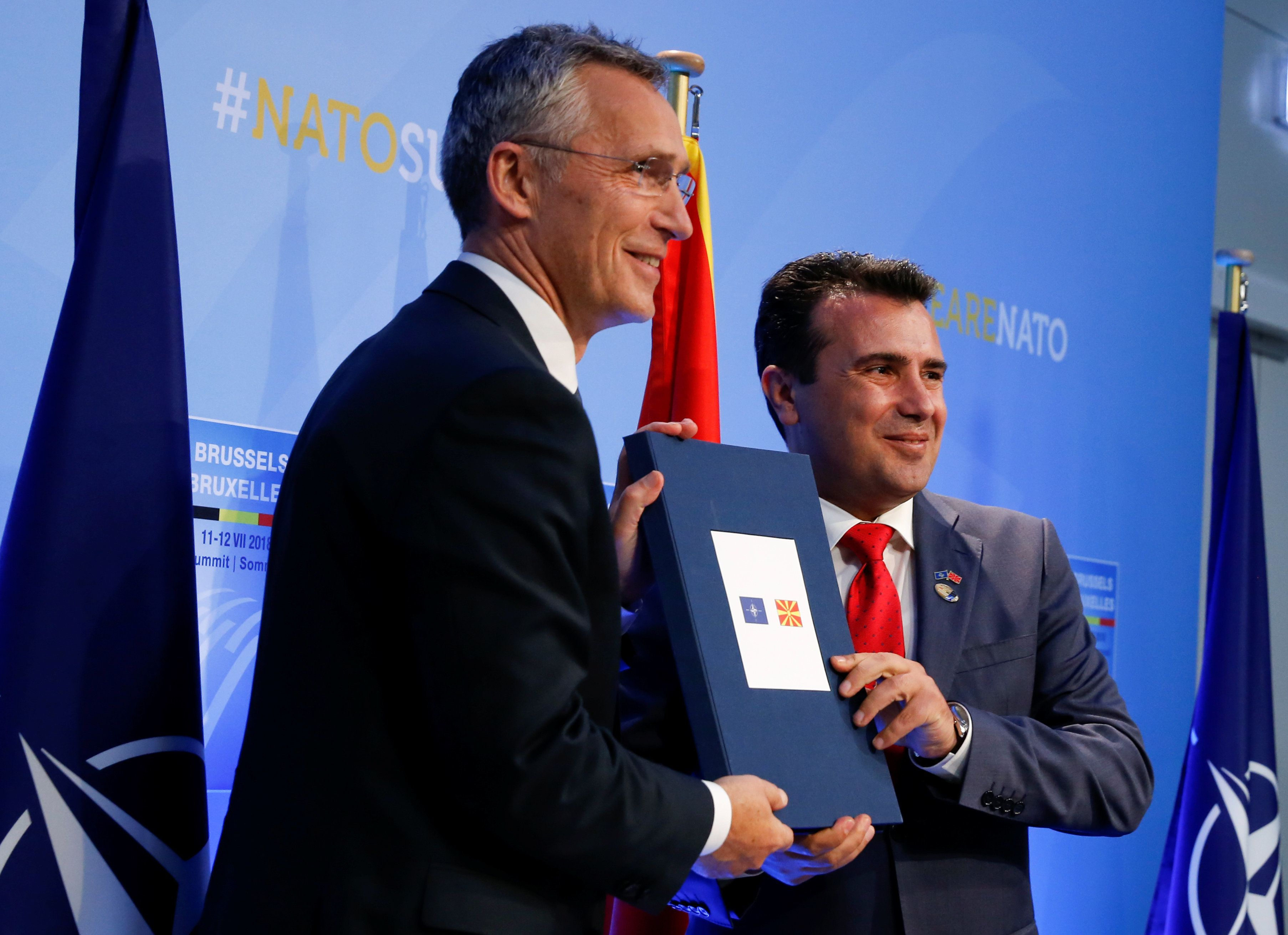 Πρόσκληση για έναρξη των συνομιλιών ένταξης της ΠΓΔΜ έδωσε ο γγ του ΝΑΤΟ στον Ζόραν