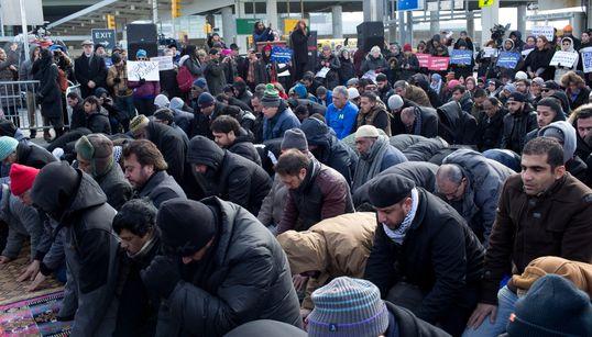 """Londres: Un appel à une """"prière collective du vendredi"""" pour dénoncer la politique de"""