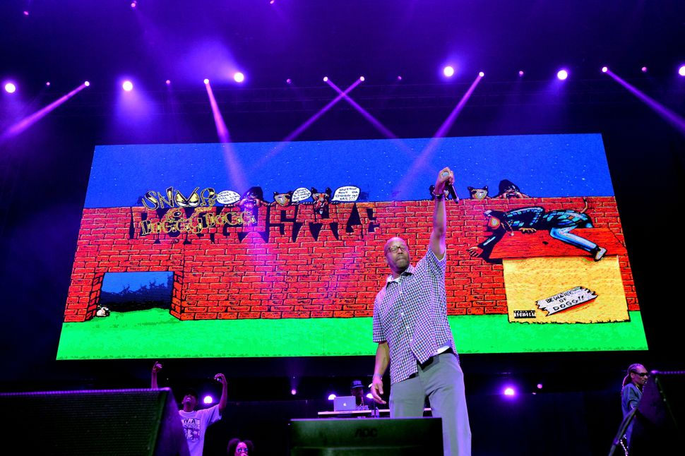 Warren G performs onstage alongside Snoop Dogg at Staples Center on June 27, 2015, in Los Angeles, California.