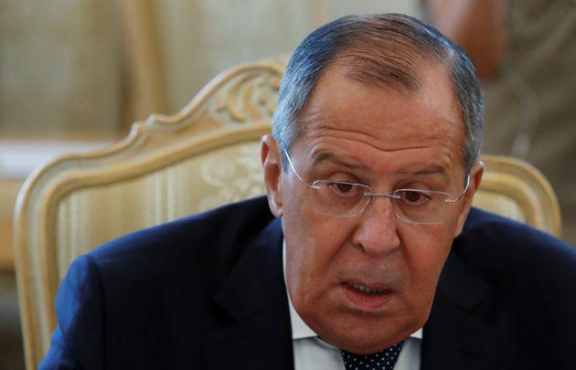 Interfax: «Παγώνουν» οι προετοιμασίες για την επίσκεψη Λαβρόφ μετά τις απελάσεις