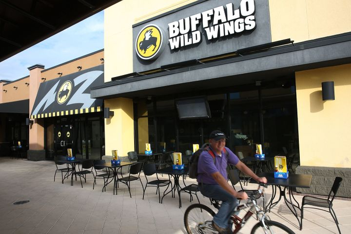 Buffalo Wild Wings is one of seven fast-food restaurants to sign a binding agreement with Washington state's attorney ge