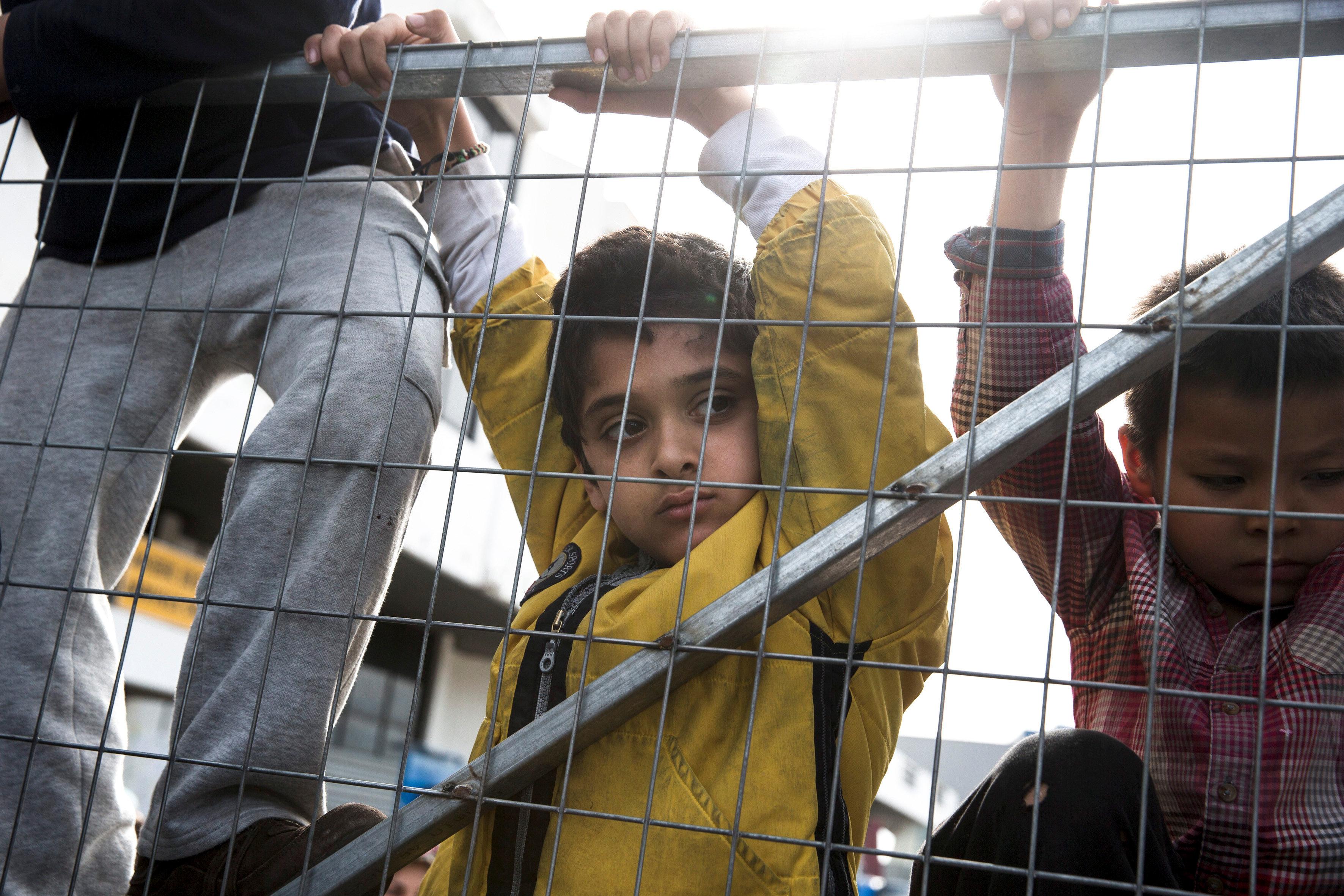 Το 15% των ασυνόδευτων ανηλίκων σε Αθήνα και Θεσσαλονίκη ζουν σε συνθήκες