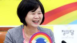 정의당의 지지율이 자유한국당과 동률인 여론 조사가