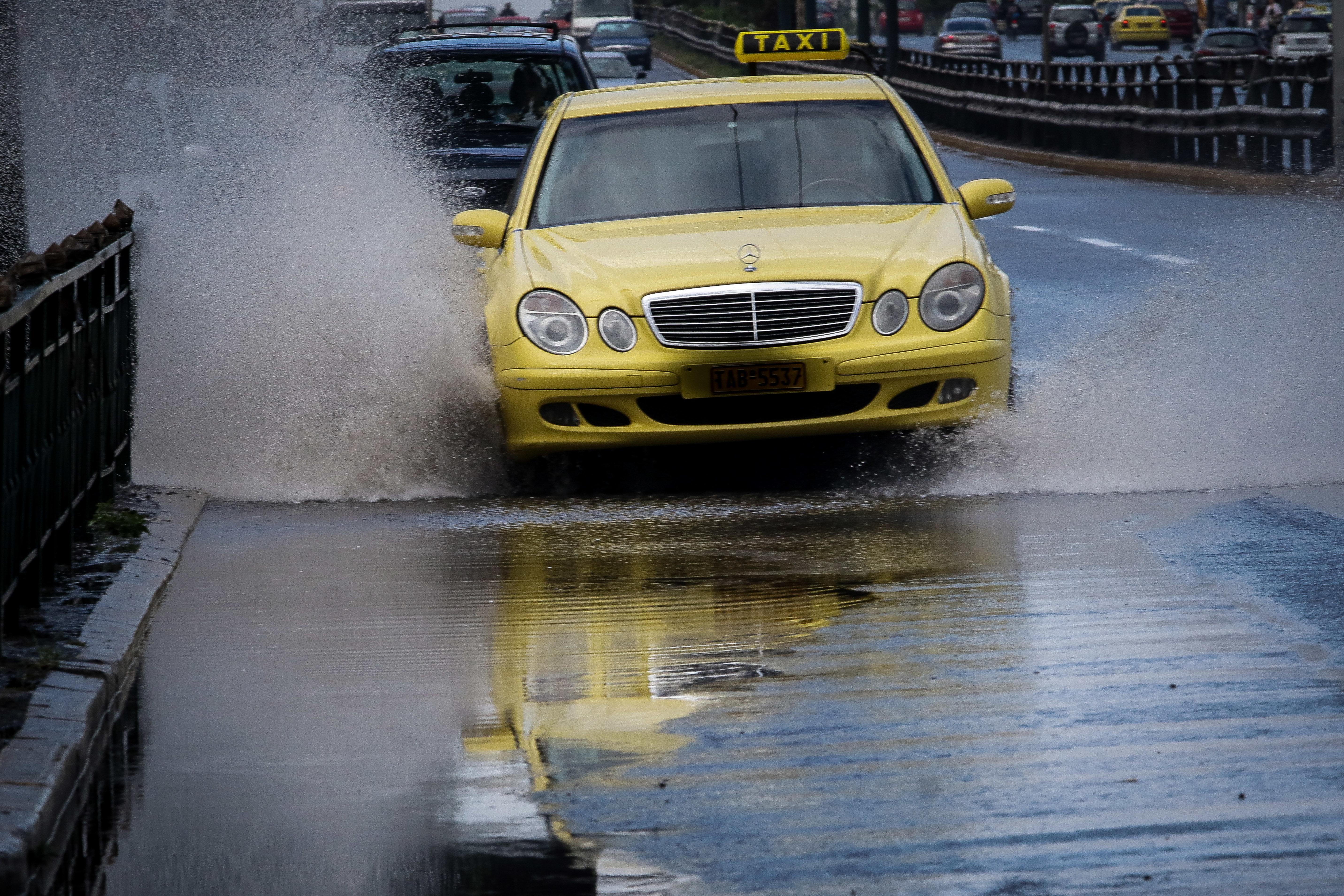 Έρχονται βαριά πρόστιμα στους οδηγούς ταξί που δεν σέβονται τον
