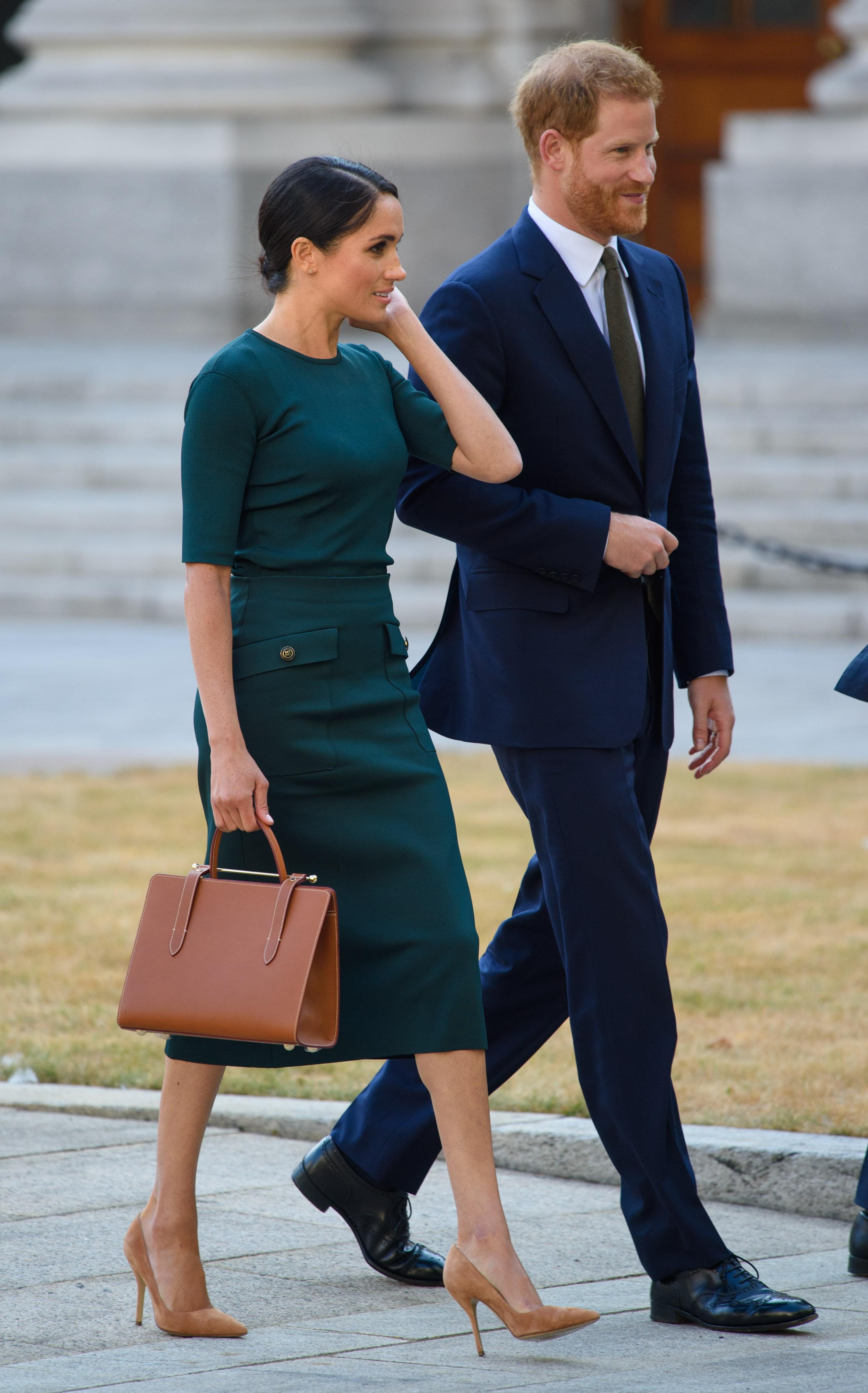 Für die Queen reisten Harry und Meghan am Dienstag nach