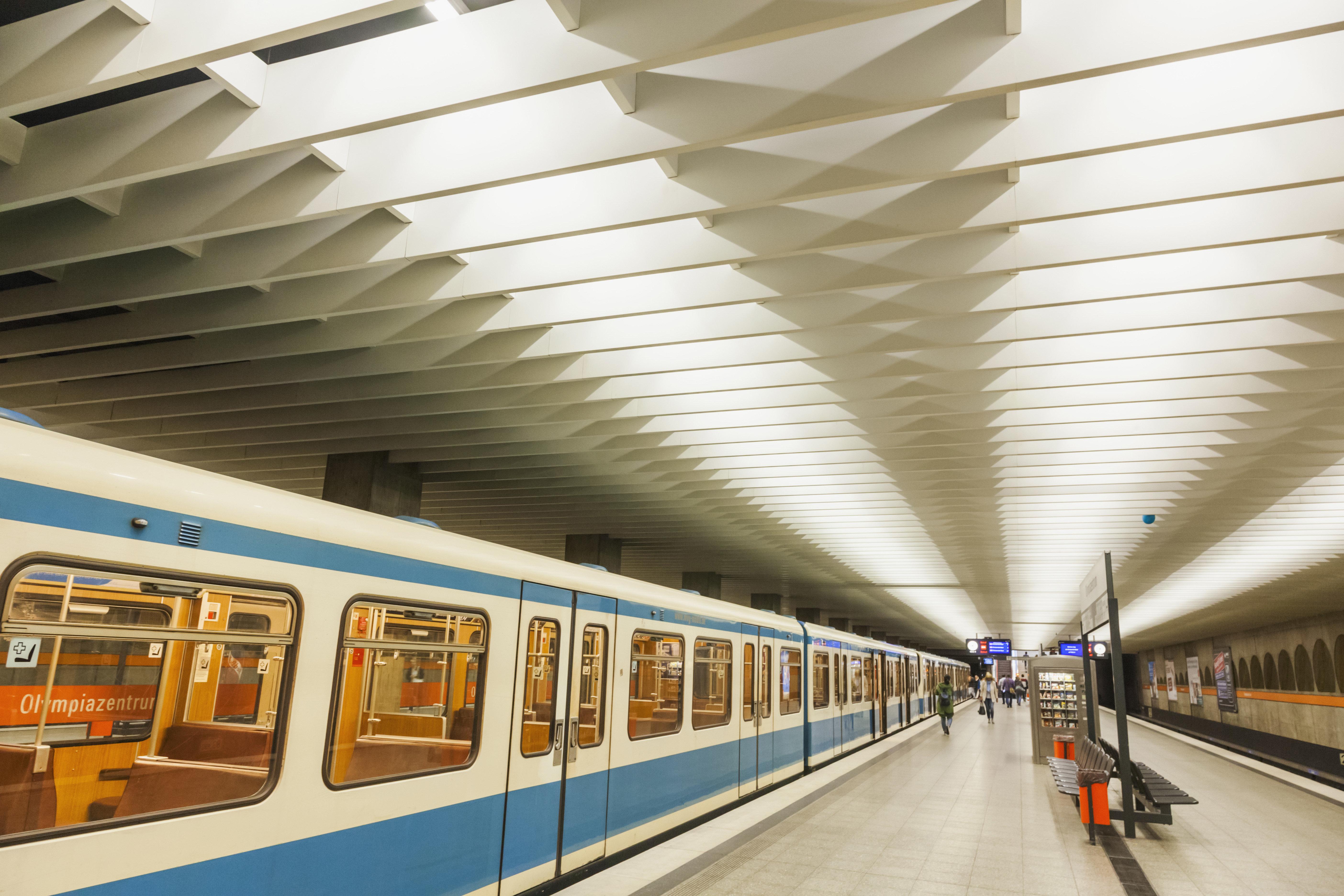 Der Missbrauch soll Mitte Juni in einem Waggon der Münchner U-Bahn stattgefunden haben.