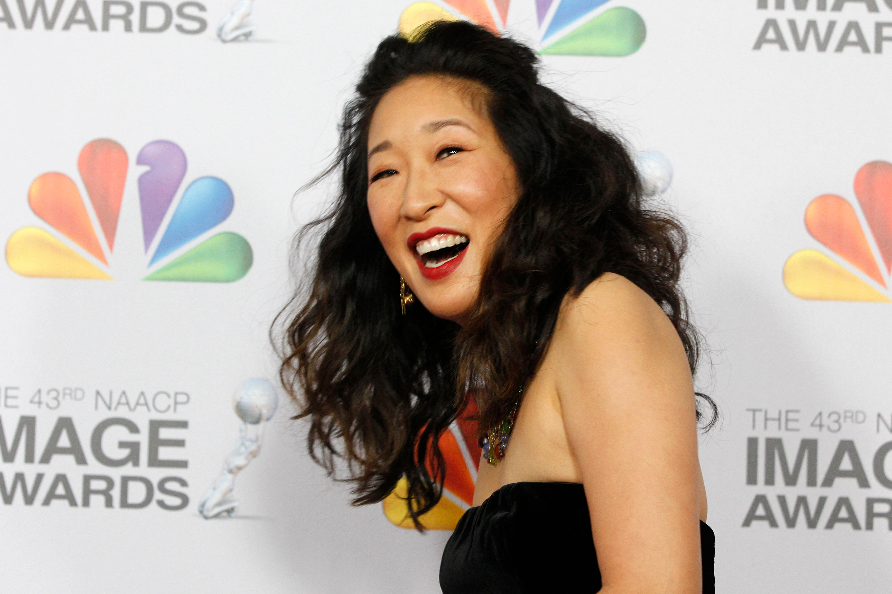 Actress Sandra Oh arrives at the 43rd NAACP Image Awards in Los Angeles, California February 17, 2012. REUTERS/Fred Prouser  (UNITED STATES - Tags: ENTERTAINMENT)   (IMAGEAWARDS-ARRIVALS)