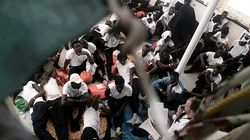 Πλοίο με 450 πρόσφυγες αναζητά ασφαλές λιμάνι στη