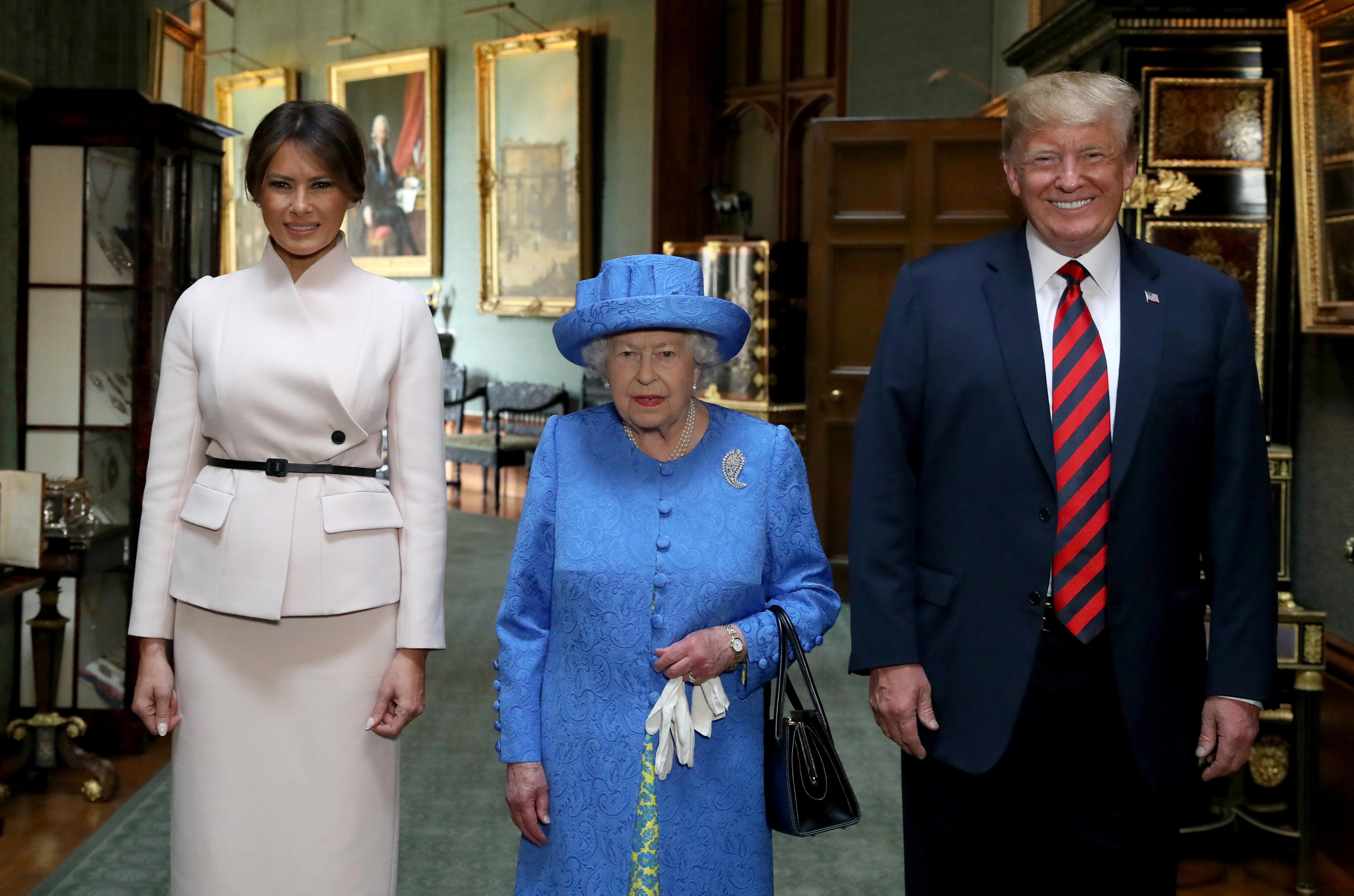 Trump bei den Royals: Die 4 bemerkenswertesten Momente eines irren Tages