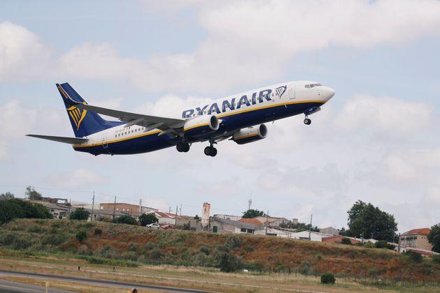 Αναγκαστική προσγείωση αεροσκάφους της RyanAir στη